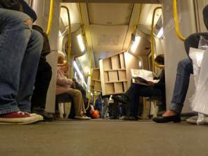 Wohnlich in der S-Bahn bzw. Guerilla-Wohnzimmer